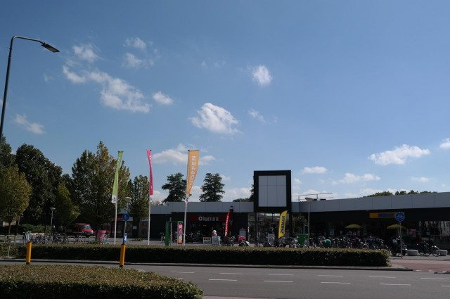 """Winkelcentrum """"De Burcht"""" te Breda."""